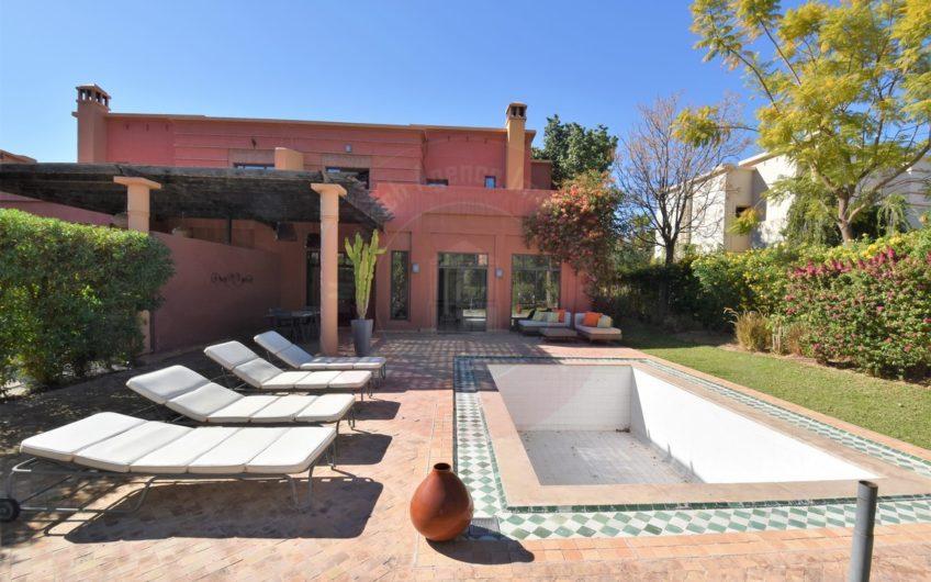 https://www.marrakech-immobilier.eu/nos-biens/marrakech-route-amizmiz-villa-a-louer/