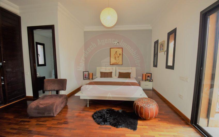 Marrakech Bab Atlas magnifique villa à vendre