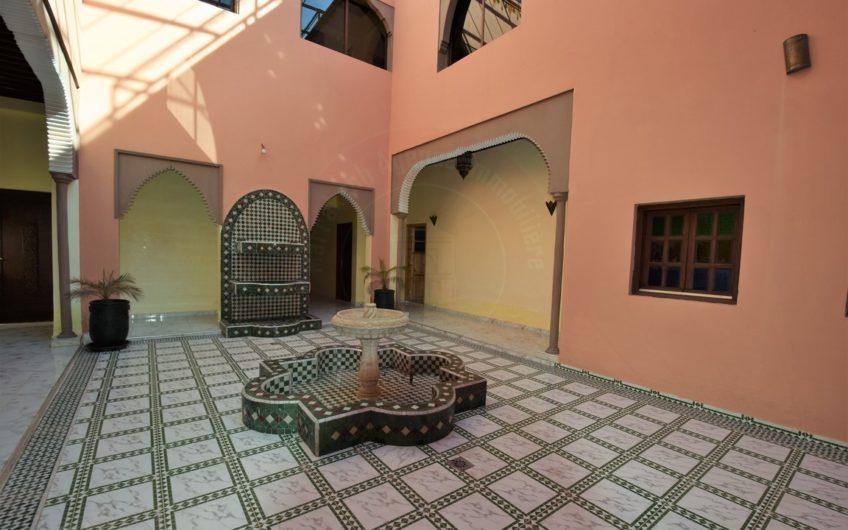 Villa à vendre route Sidi Abdellah Ghiat