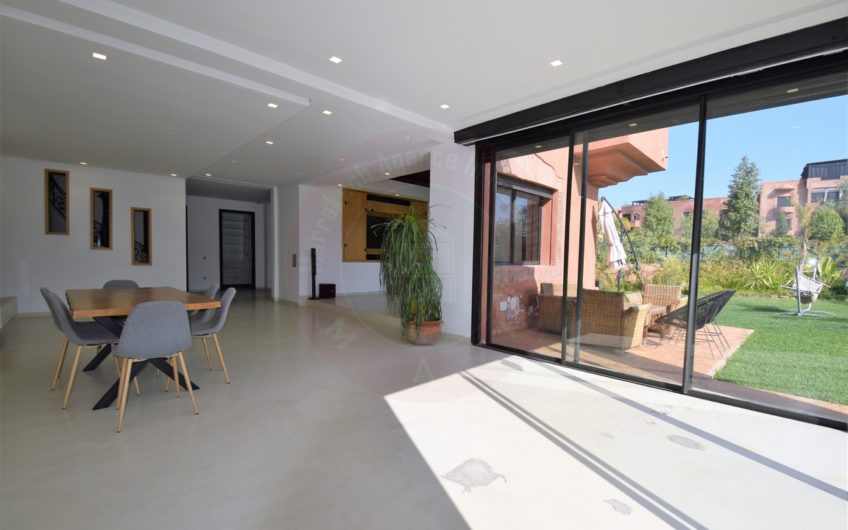 https://www.marrakech-immobilier.eu/nos-biens/location-villa-marrakech-la-palmeraie/