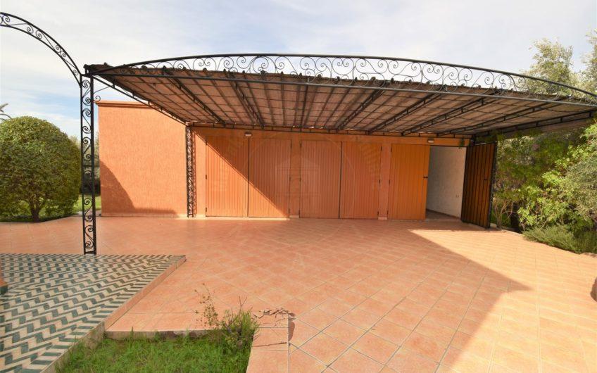 Marrakech Bab Atlas vente villa 1 hectare
