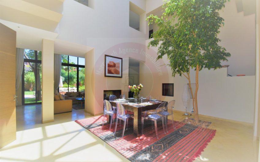 https://www.marrakech-immobilier.eu/nos-biens/marrakech-immobilier-vente-villa-golf-piscine-moderne/