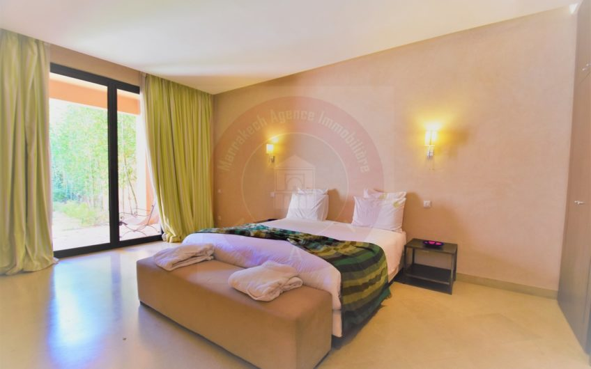 https://www.marrakech-immobilier.eu/nos-biens/marrakech-location-villa-renovee-golfe/