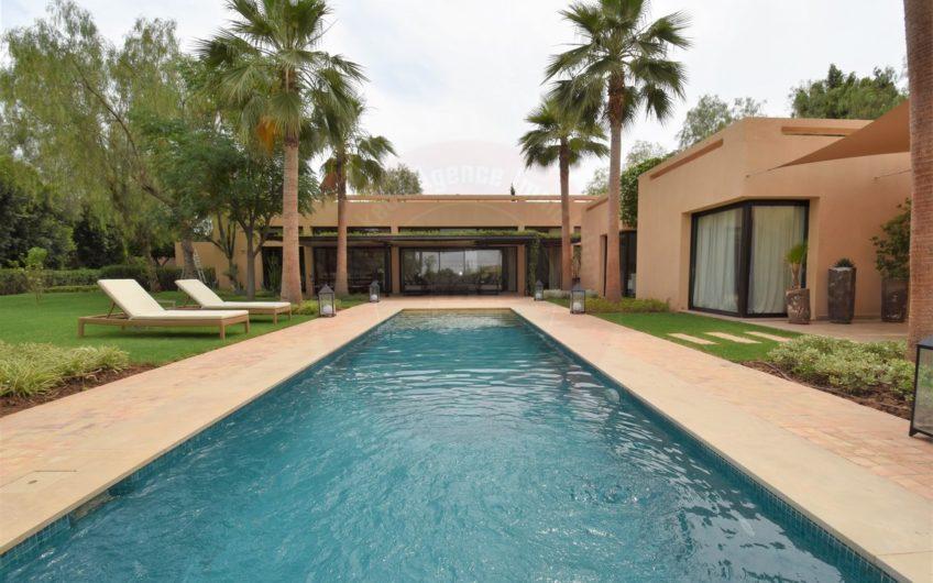https://www.marrakech-immobilier.eu/nos-biens/marrakech-agence-immobiliere-villa-a-la-location-longue-duree/